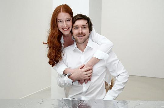 Manželé Nikol a Karel Heřmánkovi se připravují na novou divadelní hru v režii Filipa Renče.