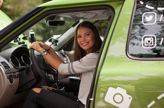 Monika Leová za volantem