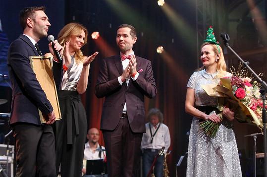Monika Absolonová a Ivana Chýlková s Michalem Hrubým a Tomášem Přenosilem z Divadla Studio Dva