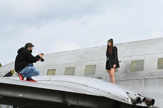 Velkou část fotografií připravil Petr Kozlík, další doplnil Arthur Koff.
