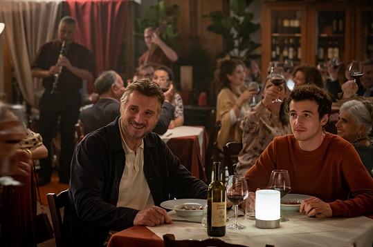 Liam Neeson se synem Micheálem.