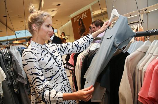 Nováčková je vždy spokojená v buticích, kde si vybere pro více příležitostí.