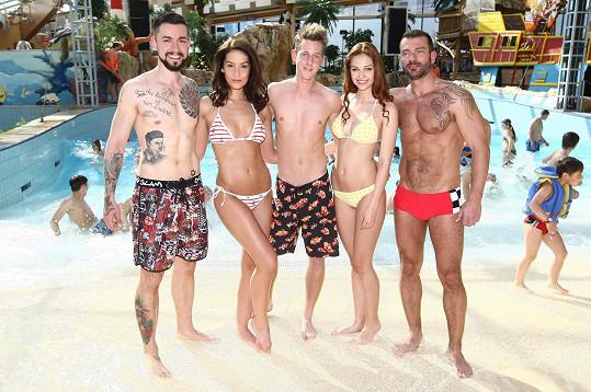 Missky pózovaly s finalisty soutěže Gay roku.