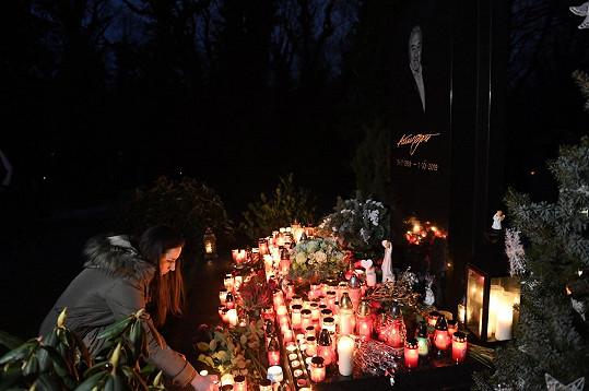 Lidé vzpomínají na Karla Gotta.