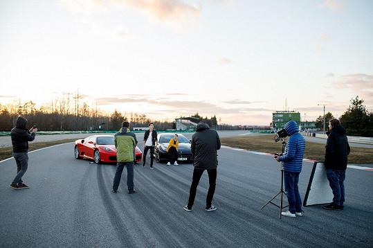 Natáčelo se na brněnském Autodromu.