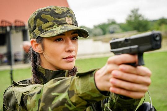 Diváci jí znají díky komediálnímu seskupení Tři tygři, nově je hlavní hrdinkou seriálu 1. Mise.