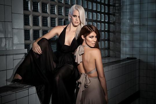 Terezie s Victorií na sexy snímku