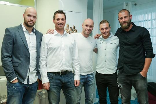 Přehlídku si nenechali ujít Radek Smoleňák, František Kaberle, Tomáš Vlasák, Jakub Hora nebo David Bičík (zleva).