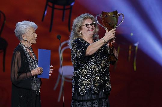 Cenu Thálie za rok 2019 z jejích rukou obdržela pěvkyně Gabriela Beňačková.
