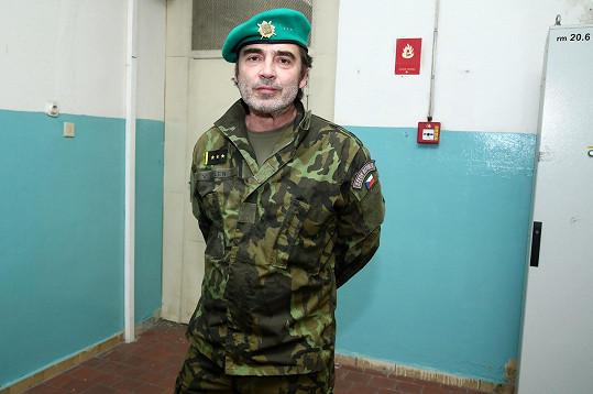 Pavel Řezníček přijal roli na Primě. Zahraje si vojenského psychologa.