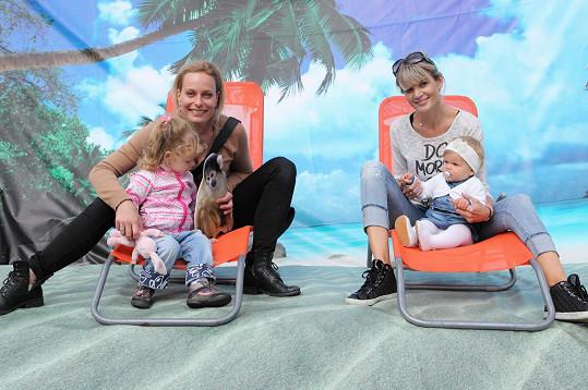 S kamarádkou Kristinou Kloubkovou a její Jasmínkou