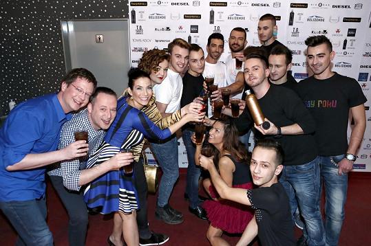 Bylo představeno deset adeptů soutěže Gay roku.