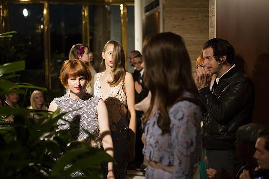 Kubíčková vkolekci pracuje téměř výhradně sexkluzivními materiály pocházejícími zitalské rodinné manufaktury Ricamficio Paolo, která dodává látky i pro věhlasné světové módní domy, jako je Dior, Chloé, Burberry, Miu Miu apod.
