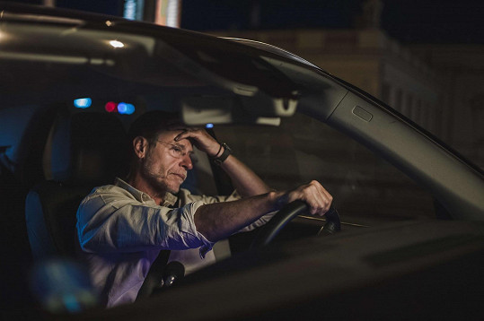 Většinu času bude natáčet v autě.
