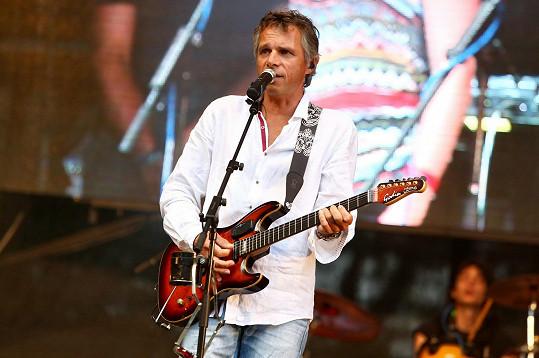 Teprve o víkendu na koncertě na Konopišti ukázal svoji pravou barvu.