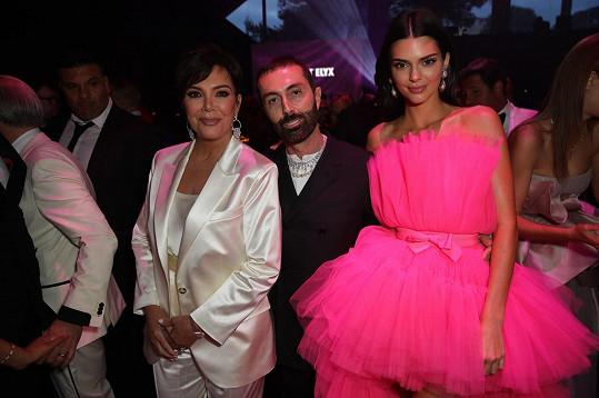U úspěchu své dcery v Cannes nemohla chybět hlava klanu Kris Jenner.