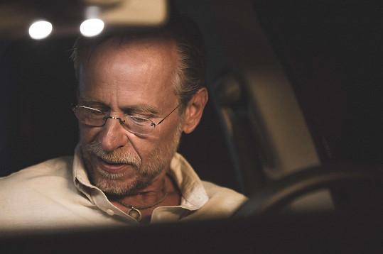 Karel Roden ztvární ve filmu Promlčeno hlavní roli.