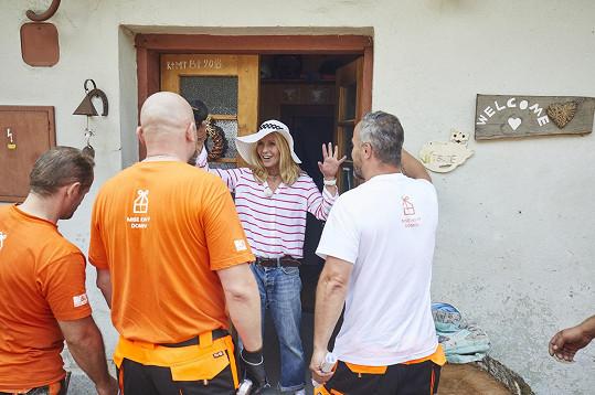 Tereza se svým týmem zařídí rodině důstojné bydlení.