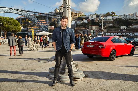 Pracovně je stále na cestách, o víkendu vyrazil do portugalského Porta.