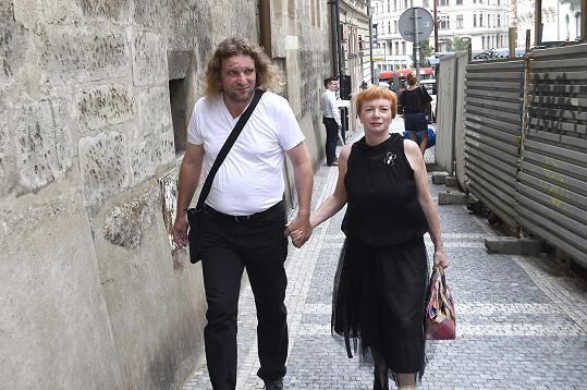 Kristianovi přišla popřát i Bára Štěpánová s manželem.