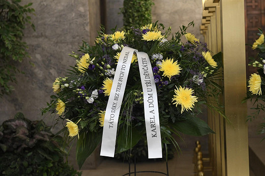 Pohřeb proběhl v pražských Strašnicích