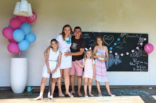 Oznámení pohlaví čtvrtého dítěte byla pro rodinu velká událost.
