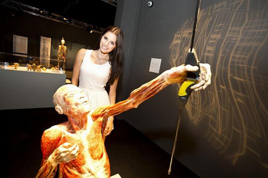 Tereza Budková s jedním z těl.
