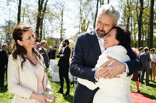 S Romanem Zachem, který hrál ženicha, a Adélou Gondíkovou