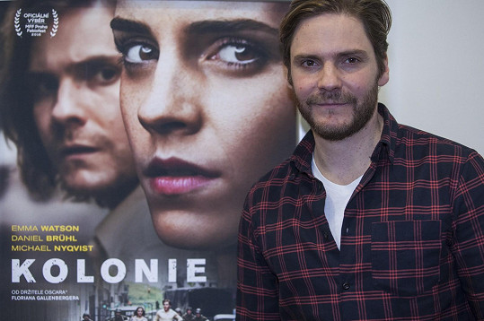 Představil historický film Kolonie.