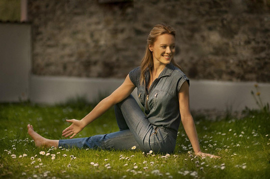 Linda Rybová pravidelně cvičí jógu a pilates.