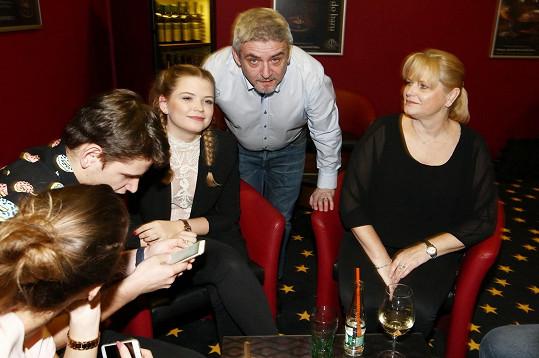 Michal Suchánek s dětmi a manželkou Renatou
