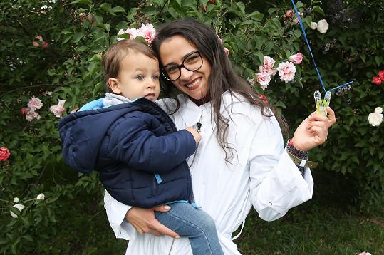 Eva Burešová se synem Nathanielem