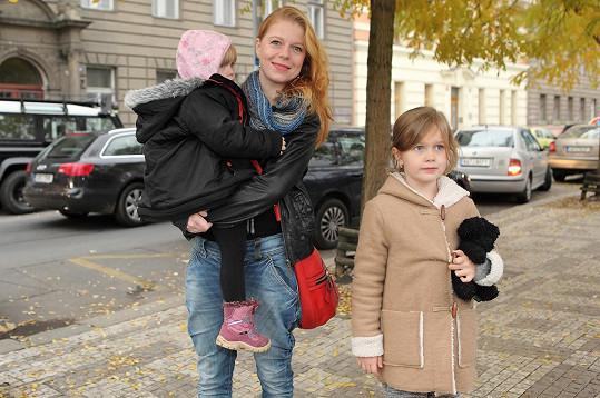 Zoubková má krásné dcerky.