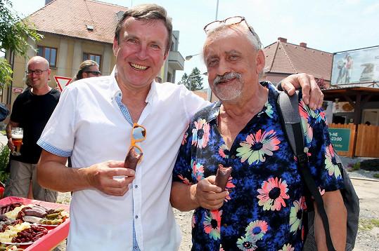 Zdeněk Mahdal uspořádal u příležitosti svých šedesátin pořádnou hostinu na nádraží.