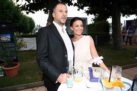S manželem Danielem Farnbauerem si společného potomka moc přejí.