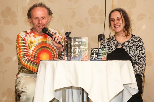 Jaroslav Dušek s autorkou textu Pavlínou Brzákovou