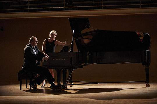 Jan Vondráček si zahrál klavírního virtuosa.