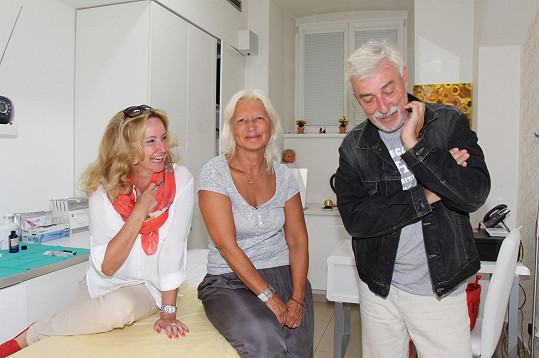 Na omlazení své manželky Jan Rosák osobně dohlížel a vše konzultoval s lékařkou.