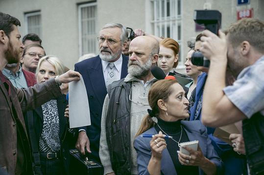 Minisérie Případ Roubal vznikla na motivy skutečných událostí. V jejím středu stojí sériový vrah Ivan Roubal, kterého hraje Hynek Čermák.