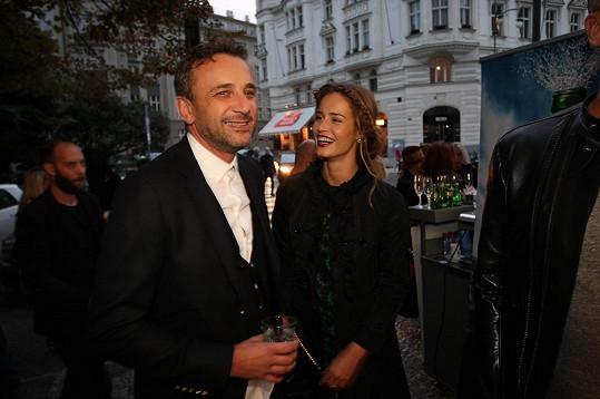 Ještě nedávno chodila s podnikatelem Robertem Hájkem.