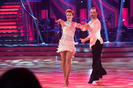 Jitka Schneiderová byla na parketu nejkrásnější tanečnicí.