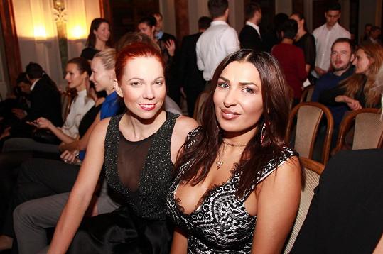 Míša Nosková a Anife Vyskočilová se potkaly na slavnostním vyhlášení ankety Restaurace roku.