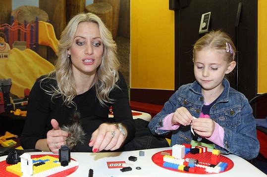 Tereza Mátlová s dcerou Emily na dětském odpoledni