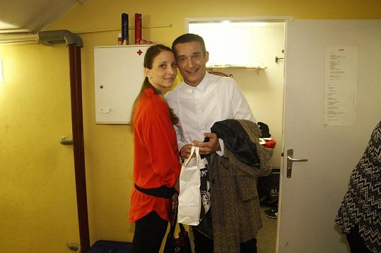 Vladimír Hron s manželkou v zákulisí