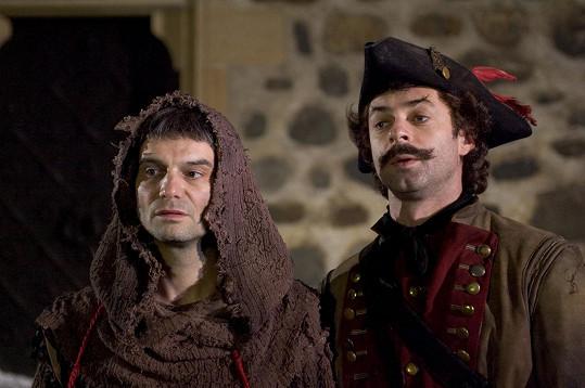 Ivan Trojan a Jiří Dvořák jako anděl Petronel a čert Uriáš