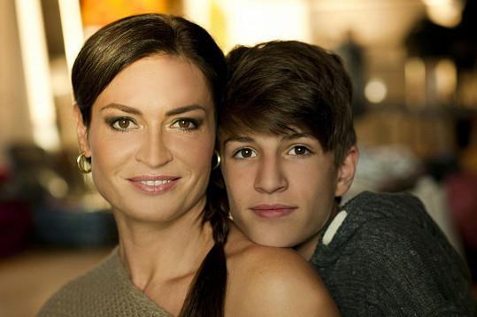 Hanka Kynychová se synem Filipem