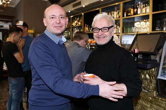 Robert na tiskové konferenci s Davidem Novotným, organizátorem konkurenční soutěže Muž roku