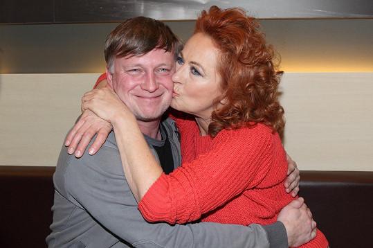 Simona Stašová a Michal Dlouhý si v nové divadelní hře zahrají manželský pár.