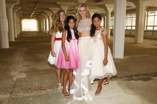 Focení byla premiéra pro tři holky z dětského domova.