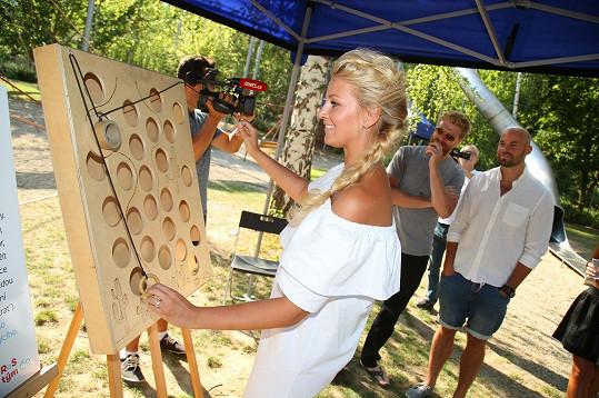 Pro návštěvníky byla na břehu Vltavy připravena spousta her a zábavy.